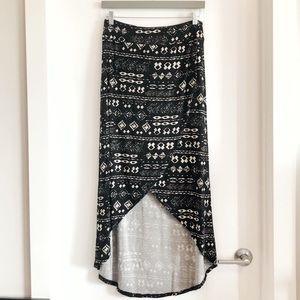 2/30$ Denver Hayes stretchy patterned wrap skirt